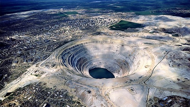 מכרות יהלומים בעיר מירני, יקוטיה