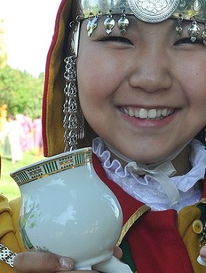 אישה יקוטית בלבוש מסורתי